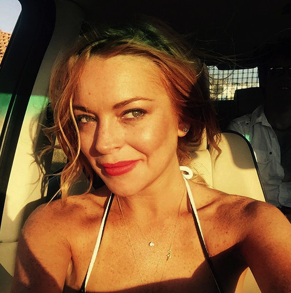 Lindsay Lohan Takes 'Parent Trap' Selfie, Reminds Us of Better Days