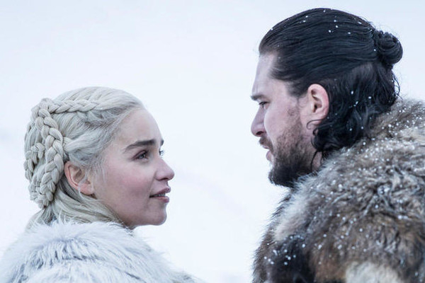 Kit Harington And Emilia Clarke Hate Kissing Each Other, Which Explains Why Daenerys And Jon Snow Have Zero Chemistry