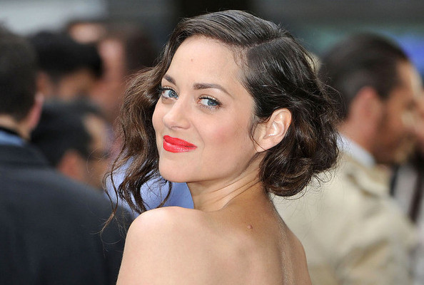 Look of the Day: Marion Cotillard Is Magnifique in Dior