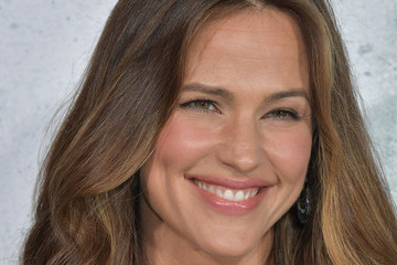 Jennifer Garner Covers 'People' Magazine's Most Beautiful Issue