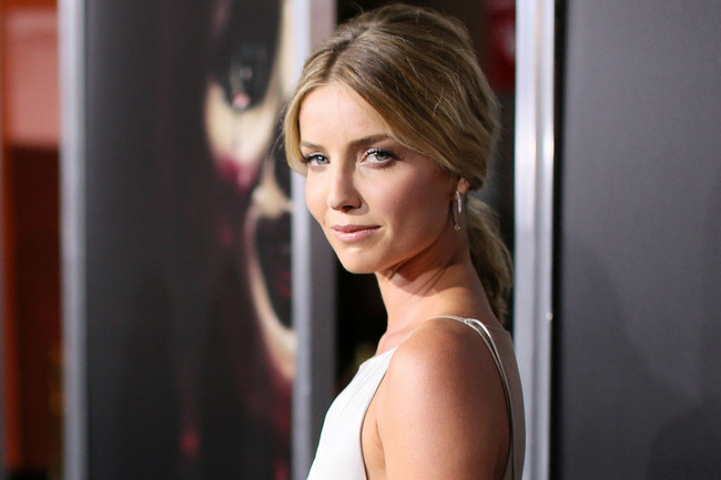 Hair Envy: Annabelle Wallis' Toussled Ponytai