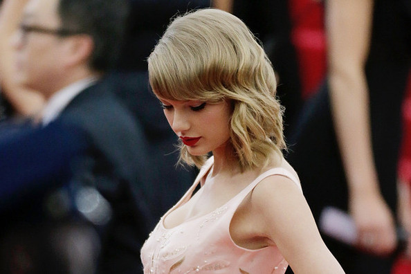 Predicting What Taylor Swift's Fifth Album Will Be About, Since She's Been Single for a While
