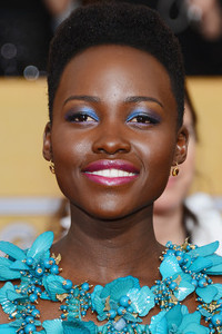 See How Lupita Nyong'o's Butterfly-Inspired SAG Awards Makeup Came Together