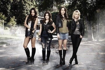 'Pretty Little Liars' Pics - Sexy New Cast Portraits