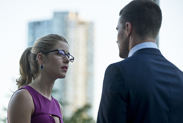 'Arrow' Poll: What Do You Think of the Latest Oliver/Felicity Relationship Development?