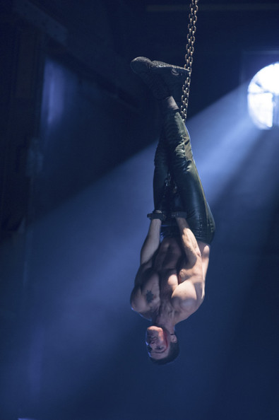'Arrow' Finale Photos: Don't Worry, Oliver Is Shirtless