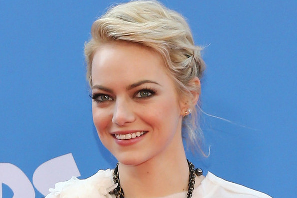 The EXACT Products Emma Stone Used at the 'Croods' Premiere