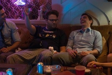 Zimbio Flash Film Review: 'Neighbors'