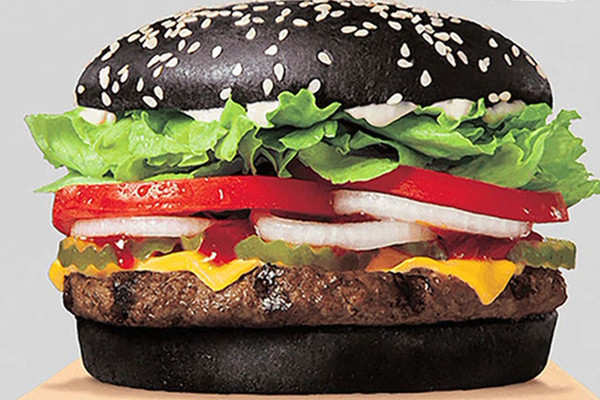 Burger King's Halloween Black Whopper Is Apparently Causing Green ...