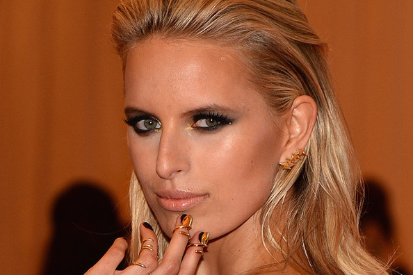 Karolina Kurkova's Future With 'The Face', Ryan Gosling Earrings Are Now a Thing, and More!