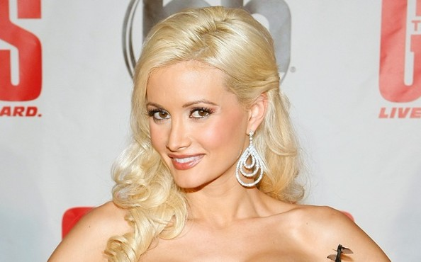 Holly Madison S New Reality Show Will Be Empowering Holly Madison Zimbio