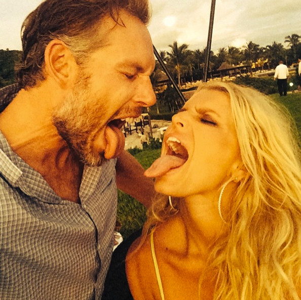 jessica simpson tongue in ass
