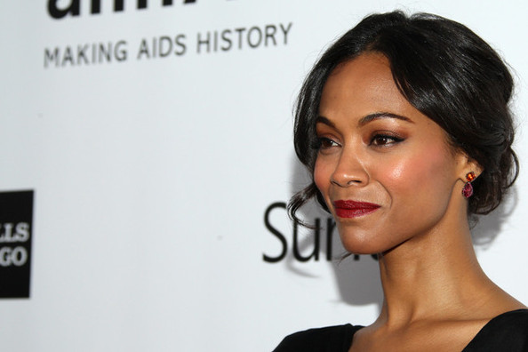 This Amazing Beauty Product Gives You Gorgeous Dewy Skin Like Zoe Saldana's