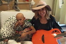 Rachel Platten Sings 'Fight Song' with Young Cancer Patient