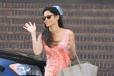Jenna Dewan Enjoys the Warm Weather in L.A.