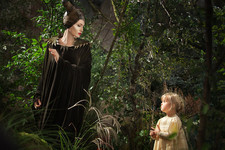 10 Emotional Reactions to Angelina Jolie vs. Her Daughter in the First 'Maleficent' Still