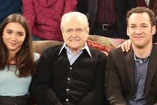 This 'Boy Meets World' Reunion Photo Is One Massive Family Portrait
