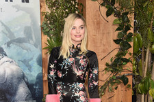 Look of the Day: Margot Robbie's Embroidered Frock