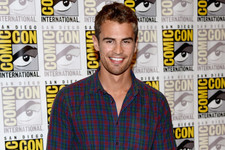 Why Theo James from 'Divergent' Could Be Your Next Ryan Gosling