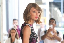 Taylor Swift Dresses to Impress