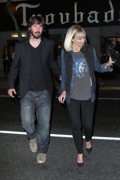 Who Is Keanu Dating 2013 | Short News Poster