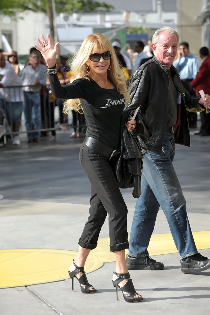 Dyan Cannon in Akon at the Lakers v Celtics Game 1 of 1 - Zimbio