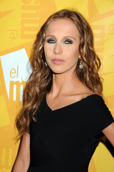 allegra versace photos photos   the el museo 2011 gala in