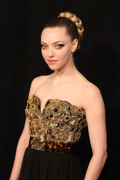 Amanda Seyfried Pictures - Stars at the Premiere of 'Les ...