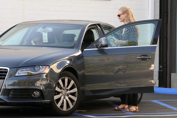 photo of Amanda Seyfried  - car
