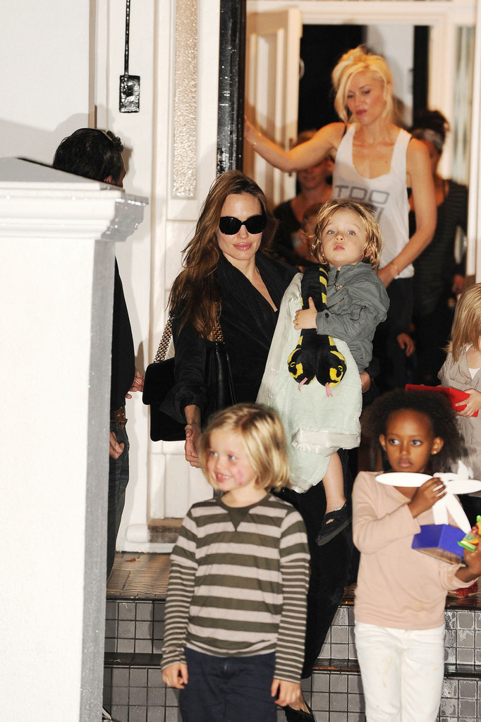 She has playdates with the Brangelina brood. - Gwen ...