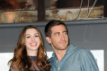 Anne Hathaway Jake Gyllenhaal Anne Hathaway and Jake Gyllenhaal at a Photocall