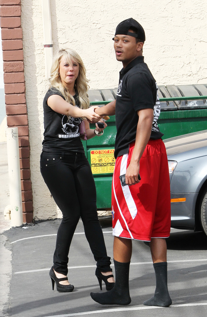 whos dating romeo miller Growing up hip hop's romeo miller has found himself a good girl to call his own the reality star is couple-up with a biracial model named kiana alexis kiana comes from a mixed background according to her modeling profile and she is an advocate for healthy lifestyle habits the model talks openly on.
