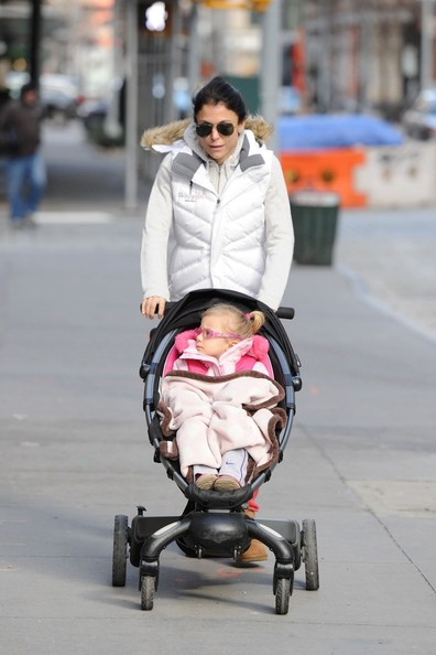 Bethenny Frankel - Bethenny Frankel Out With Bryn in NYC