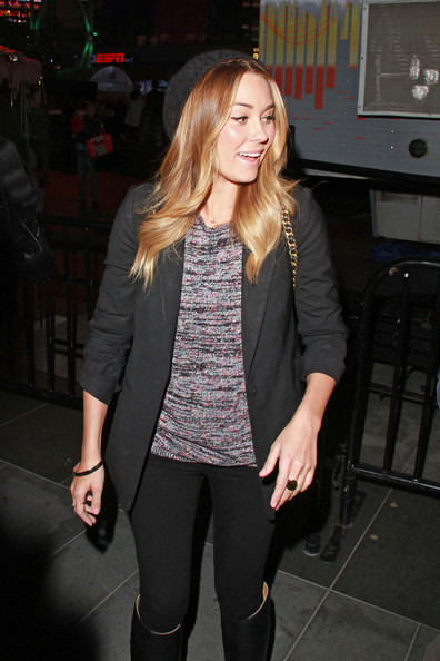 Former Hills star Lauren Conrad signs autographs after visiting LA
