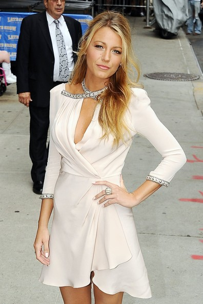 Blake Lively - Blake Lively Arrives at 'Late Night' Studios