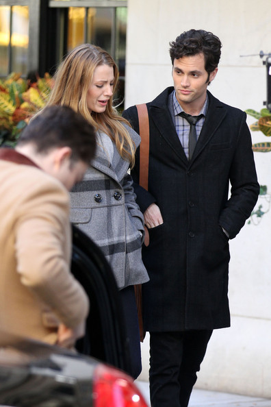 http://www4.pictures.zimbio.com/pc/Blake+Lively+Penn+Badgley+turns+24+today+film+1dGphF3Fsxjl.jpg?46913PCN_Badgley09