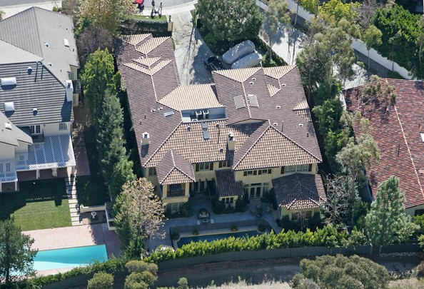 Britney Spears and Kevin Federline - FILE PHOTO: Spencer Pratt recently tweeted that he is buying Britney Spears' re-listed Beverly Hills home for $5.5 million