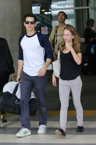 dylan o brien and britt robertson start dating If you're a fan of teen wolf and the secret circle, then you're probably a fan of britt robertson and dylan o'brien's relationship that's right, these two major.
