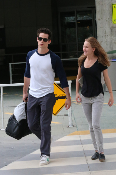 dylan o brien and britt robertson 2014 dating Britt robertson talks boyfriend dylan o'brien making out with her best friend on 'teen wolf', plus, 'the longest ride': her new movie with scott eastwood.