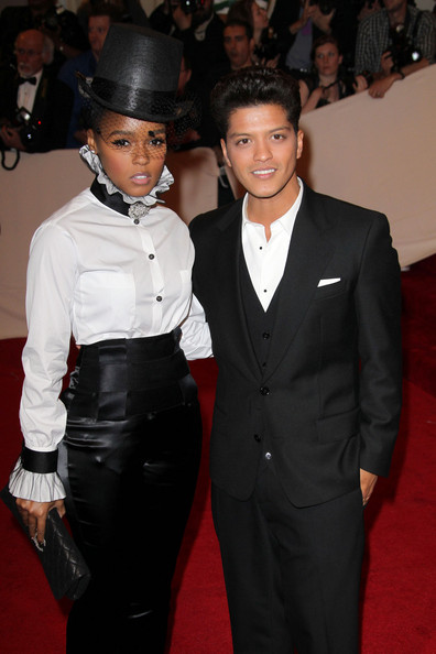bruno mars fotos. Bruno Mars Janelle Monae and