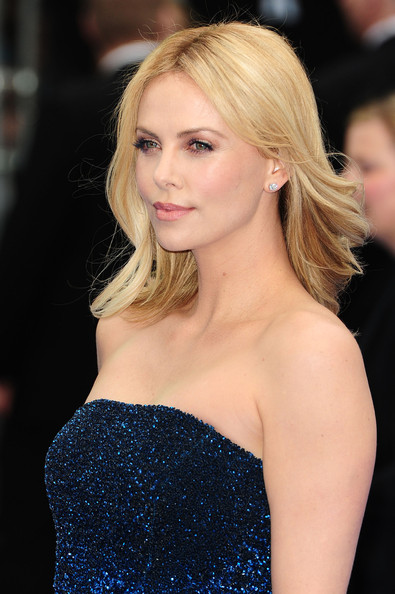 pictures of haircuts for 40 year charlize theron photos photos marc streitenfeld arrives 6187