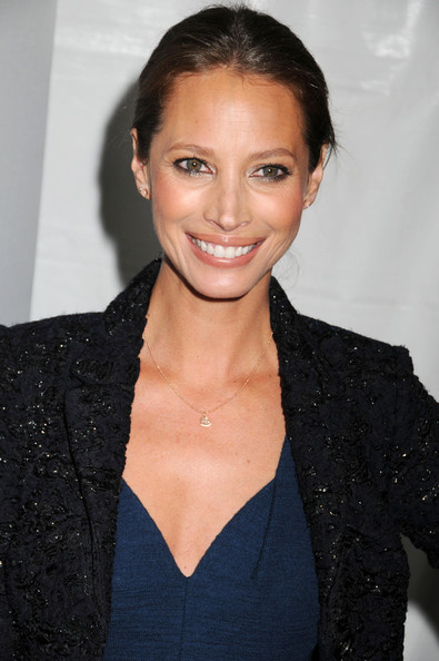 http://www4.pictures.zimbio.com/pc/Christy+Turlington+Good+Housekeeping+Shine+0AMN6JUny9ul.jpg