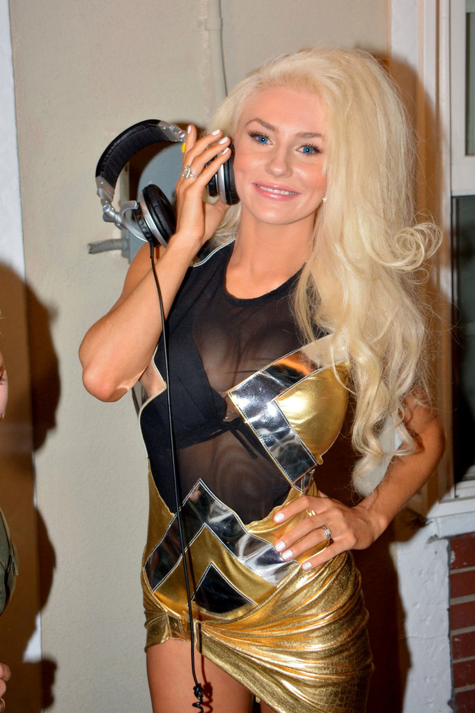 Courtney Stodden - 18 year old reality star Courtney Stodden wears a revealing, tight gold dress and struts her her stuff at Celebrity Designer Maggie Barry 'M8' Fashion show at La Maison de Fashion in Hollywood