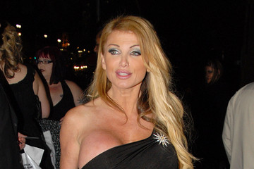 Taylor wane wallpaper