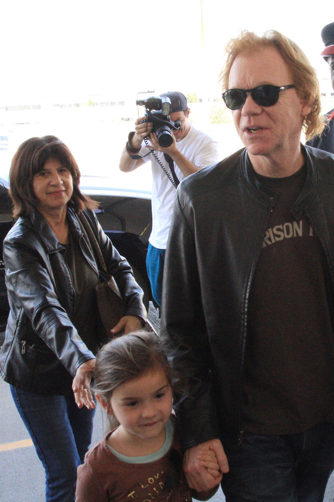David+Caruso+smiles+family+head+LAX+catch+HDGGUzPL9I7x.jpg
