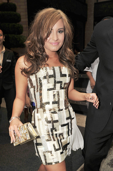 Demi Lovato Photos Photos - Demi Lovato in NYC - Zimbio