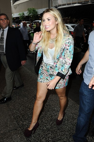 Demi Lovato - Demi Lovato Arrives for 'X Factor'