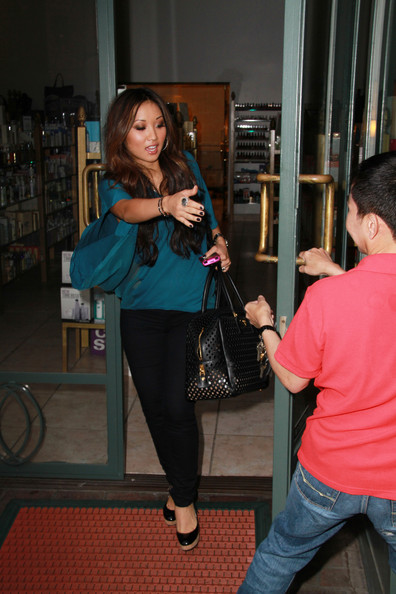 Brenda Song Disney actress Brenda Song has her hands full as she leaves Longmi Lashes Salon in Beverly Hills after getting her eyelashes done. The 22 year old
