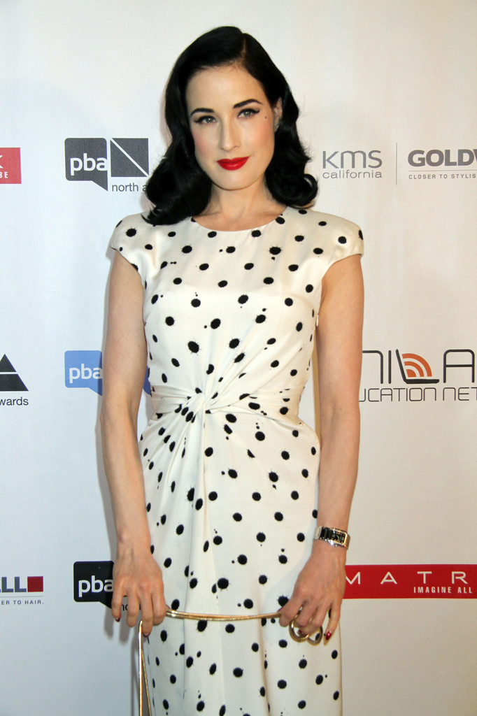 Weekend Hair Inspiration: How to DIY Dita Von Teese's Retro Waves