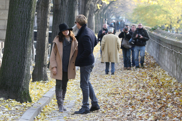 "Eva Mendes IN LOVE - Ryan Gosling and Eva Mendes spend quality time together at the Pere Lachaise Cemetery in Paris.  Gosling pays Mendes a visits while filming her new movie ""Holly Motors"" in paris.  The love birds enjoy their walk and share kisses."